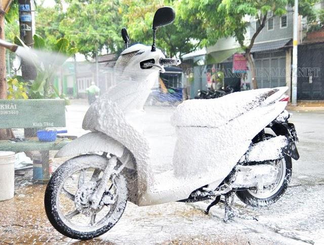Tại sao nên rửa xe máy đúng cách?