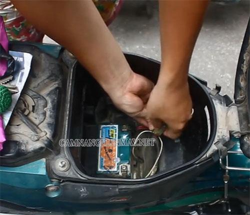 Bạn có thể tự thay thế cầu chì mới cho xe máy tại nhà