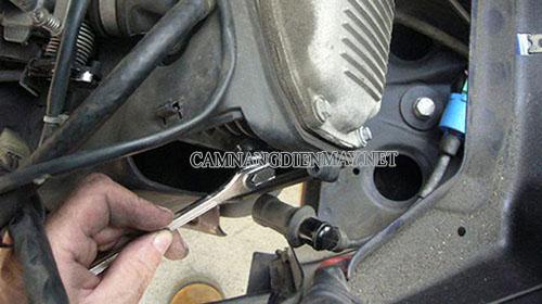 Sai góc đánh lửa cũng có thể là nguyên nhân khiến xe máy bị mất lửa
