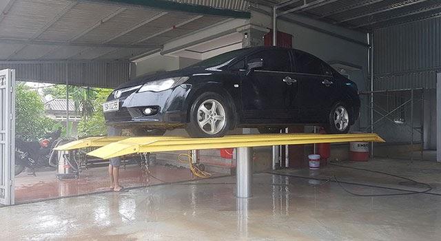 Chú ý an toàn khi sử dụng cầu nâng 1 trụ rửa xe ô tô