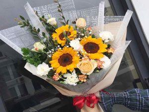 Hoa là món quà 20/10 cho mẹ rất thân thuộc