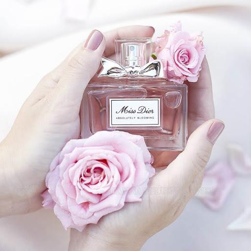 Nước hoa là món quà 20/10 tặng bạn gái rất ý nghĩa
