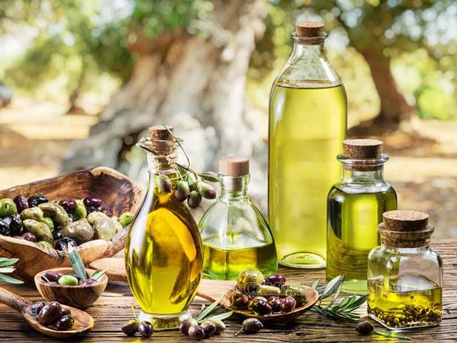 Sử dụng dầu thực vật để làm sạch keo dính chuột