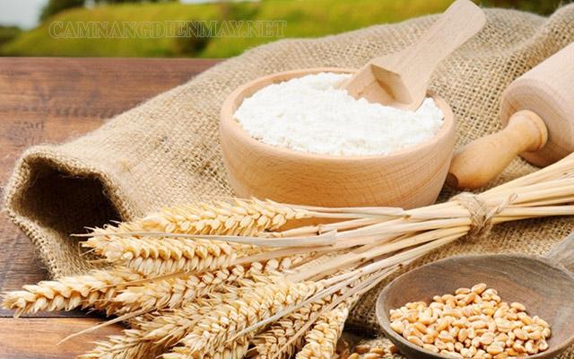 Bột mì, bột gạo tẩy các vết ố vàng trên gạch hoa cũ