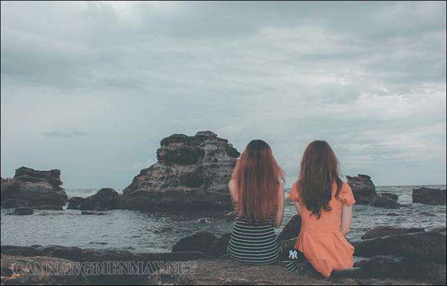 Chia sẻ với bạn bè để giải tỏa tâm trạng