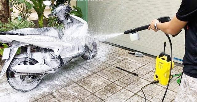 Nhiều loại máy rửa xe tích hợp hút và phun rửa dung dịch rửa xe