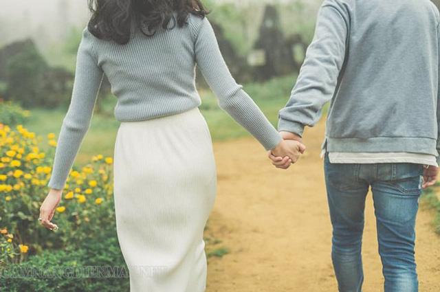 Mơ thấy người cũ đi với người mới chứng tỏ bạn đã vượt qua được nỗi đau