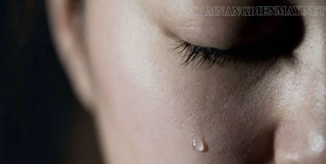 Nằm mơ thấy người cũ khóc thì bạn nên suy nghĩ lại mối quan hệ đã từng có