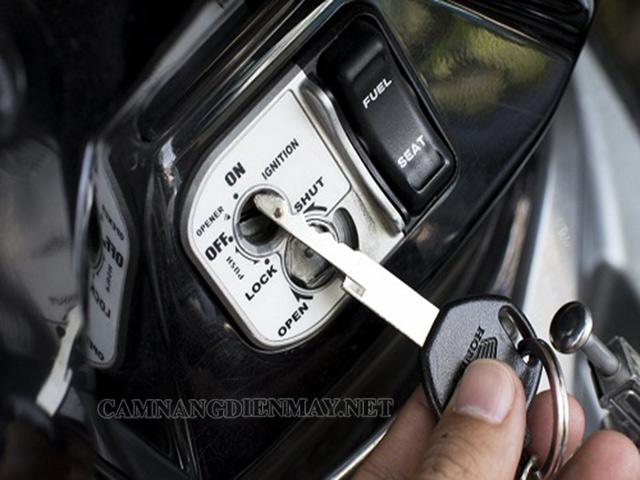 Nguyên nhân dẫn đến ổ khóa xe máy bị kẹt