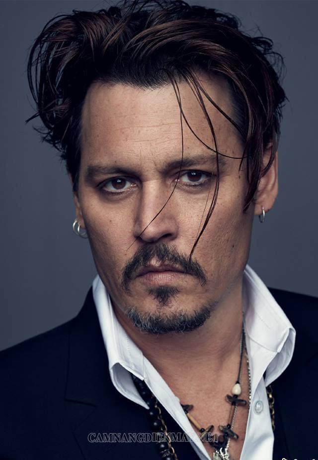 Nam diễn viên Johnny Depp khiến nhiều người mê bởi vẻ ngoài lạnh lùng