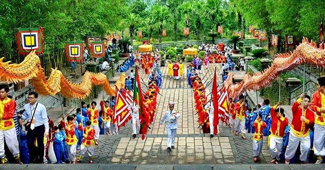 Giỗ tổ Hùng Vương được tổ chức ở đâu?
