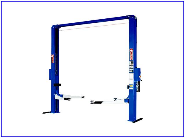 Cầu nâng 2 trụ 4,5 tấn Carleo SL- 303SBW được sử dụng nhiều trong các gara ô tô