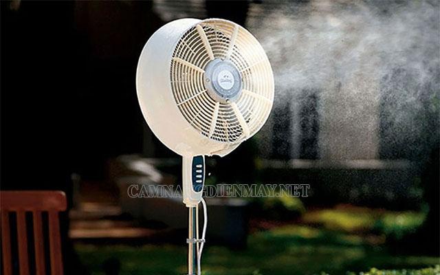 Những chiếc quạt phun sương sẽ giúp giảm nhiệt độ trong phòng