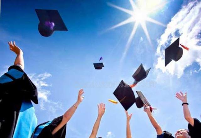 Tìm kiếm cơ hội đi du học để mở rộng kiến thức